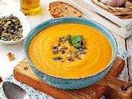 Постна веган крем супа с оранжева (червена) леща, тиква и праз лук